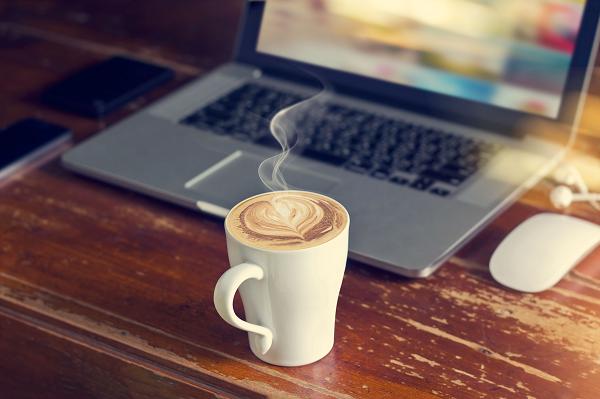 Prawidłowo zaaranżowane biurko to gwarancja komfortu podczas pracy i nauki.